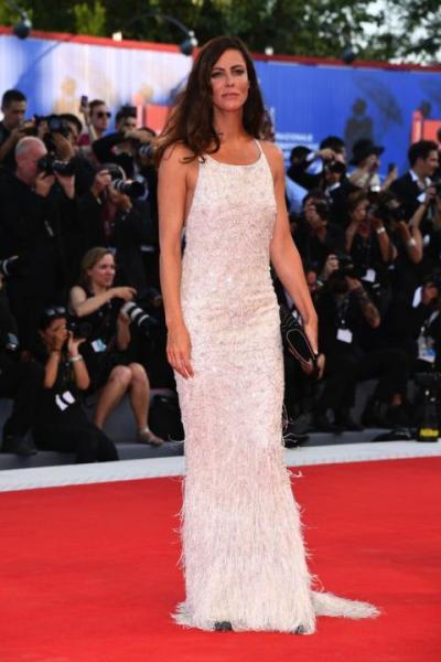 Anna Mouglalis in Chanel Haute Couture