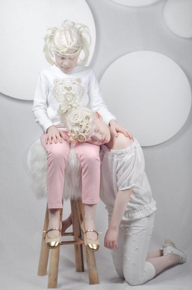 Angelica felpa: Kenzo kids Jeans: Petit Bateau Ballerine: La Stupenderia Matilde top: 120% Lino Jeans: Simonetta Ballerine: Naturino